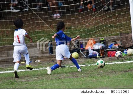 男孩足球比賽風光 69213065