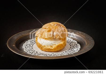 奶油泡芙一種法國蛋糕奶油泡芙 69221061