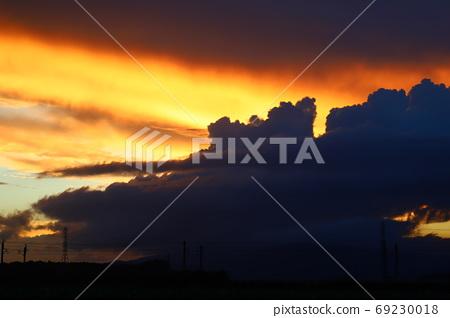 颱風影響下積雨雲強烈發展 69230018