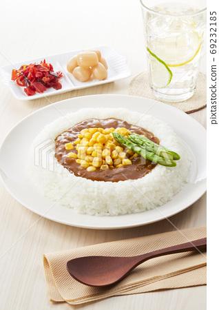 玉米和蘆筍咖哩 69232185