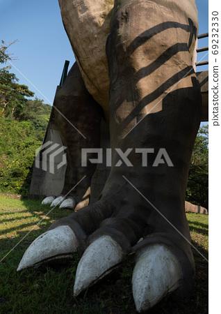 Seems to be stepped on Tyrannosaurus feet in Kasado Island, Kudamatsu City, Yamaguchi Prefecture 69232330