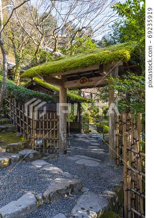겨울 아침의 교토 오하라, 寂光 院 노지 문 69235919