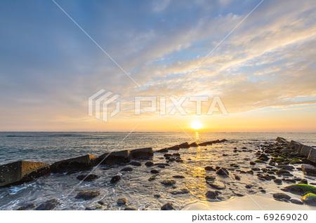 Sunrise 69269020