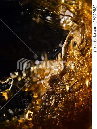 detail of an alcoholic beverage 69299689