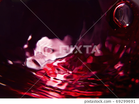 Red wine 69299691