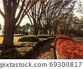 豐富的秋天色彩和寂寞的黃昏 69300817