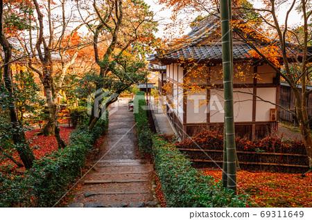 Autumn of Jojakko-ji temple in Arashiyama, Kyoto, Japan 69311649