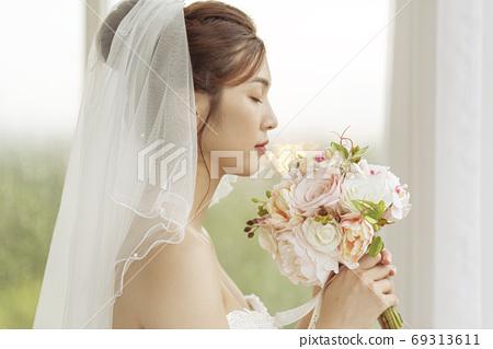 여성 신부 69313611