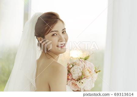 여성 신부 69313614