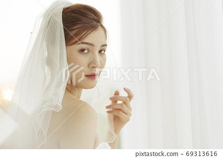 여성 신부 69313616