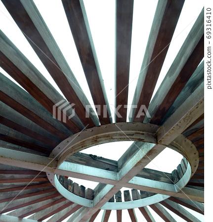 빗살무늬 지붕 69316410