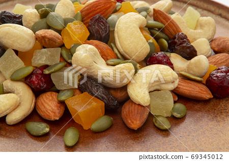 盤子,營養,綜合堅果,プレート、栄養、ミックスナッツ、Plate, mixed nuts, 69345012