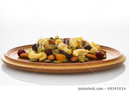 盤子,營養,綜合堅果,プレート、栄養、ミックスナッツ、Plate, mixed nuts, 69345014