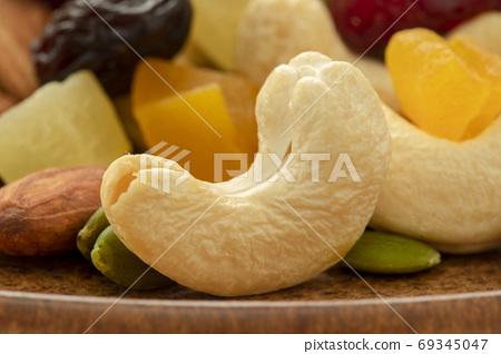 盤子,營養,綜合堅果,プレート、栄養、ミックスナッツ、Plate, mixed nuts, 69345047