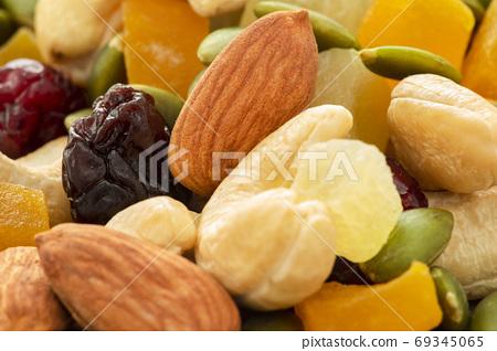 盤子,營養,綜合堅果,プレート、栄養、ミックスナッツ、Plate, mixed nuts, 69345065