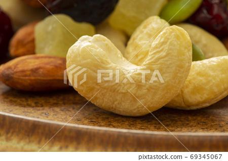 盤子,營養,綜合堅果,プレート、栄養、ミックスナッツ、Plate, mixed nuts, 69345067
