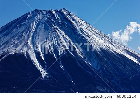 從Mohashi山看的冬天富士山的山頂 69391214