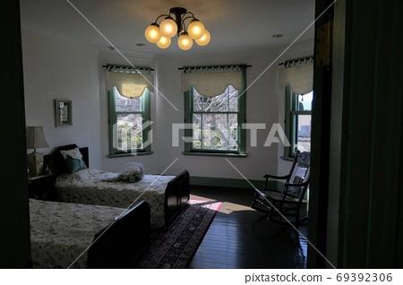 Western-style bedroom 69392306