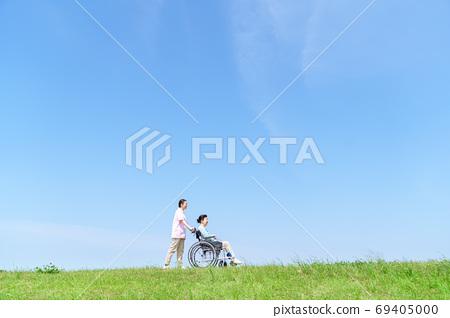 老年婦女,照顧者,輪椅,藍天 69405000