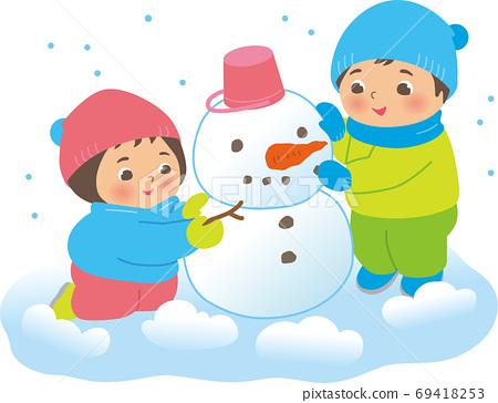눈사람을 만드는 아이들 소년과 소녀 69418253