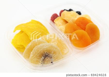말린 과일 69424028