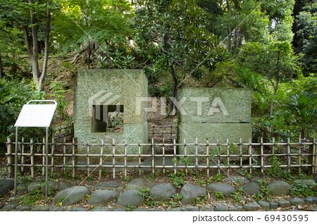 Shimizudani Park Edo Suido's stone box and woodwind 69430595