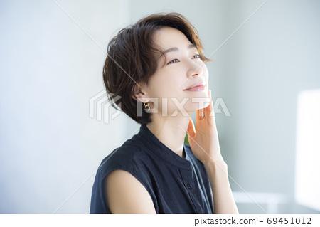 美女形象30多歲的女性 69451012