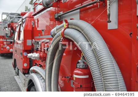 [神奈川縣]橫須賀市消防車在首次消防儀式上被釋放 69464595