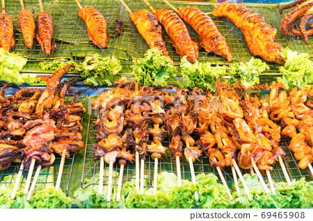 Shrimps on street food market 69465908