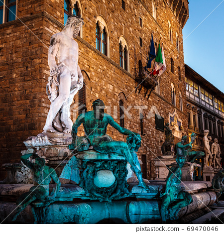 Fountain of Neptune in Florence 69470046