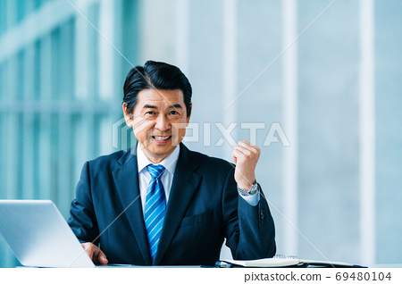 業務高級男性 69480104