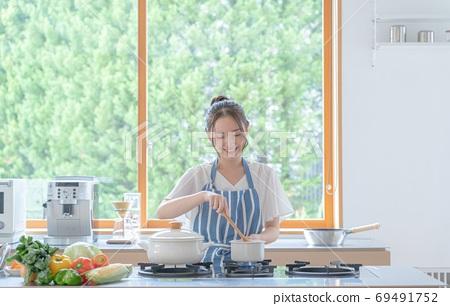 요리 장면 20 대 여성 69491752