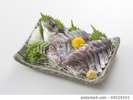 Aji sashimi 69526501