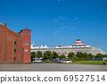 붉은 벽돌 창고와 요코하마 항에 정박하는 유람선 69527514