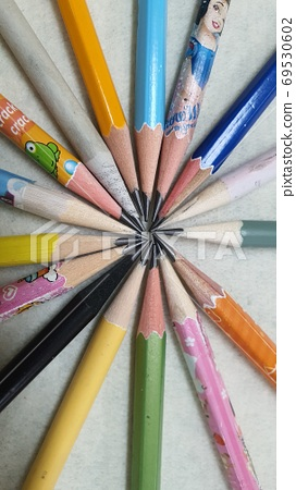 鉛筆 69530602