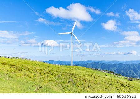 시코쿠 카르스트와 풍력 발전소 69530823