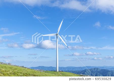 시코쿠 카르스트와 풍력 발전소 69530829