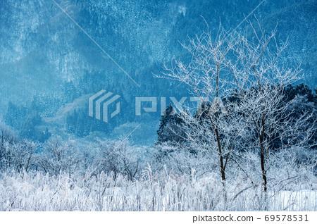 히 루젠 고원 겨울 서리 69578531