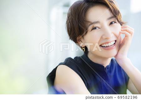Beauty image 30s women 69582196