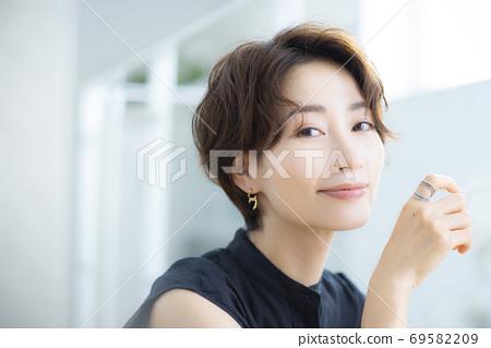 美女形象30多歲的女性 69582209