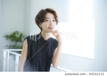 美女形象30多歲的女性 69582223