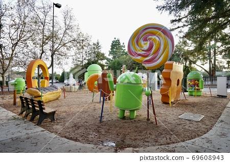 加州谷歌總部Android  69608943