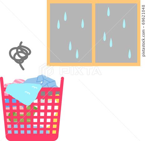 바구니에 들어간 세탁물과 우천 이미지 69621048
