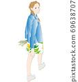 回望和行走的女人的插圖 69638707