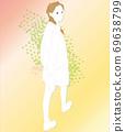 與一個女人回望,漸變的步行步行的插圖 69638799
