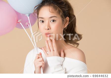 氣球的可愛女人 69644632
