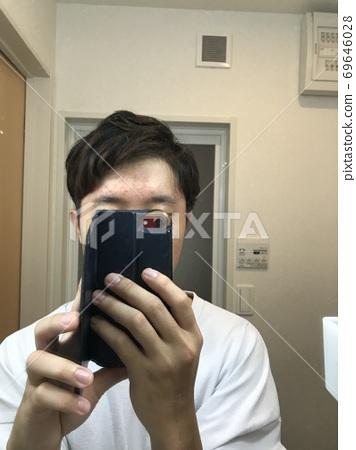 남성의 짧은 머리 헤어 스타일 예 (투 블록) 69646028