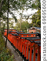 후 시미이나 리 타이 샤의 센본 도리이 69695600