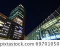 梅北 자격과 루 쿠아 오사카의 밤 거리 풍경 69701050