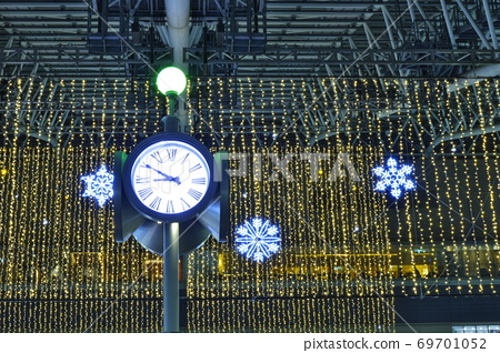 "JR Osaka Station ""Winter Illuminations in Space-Time Square"" 69701052"